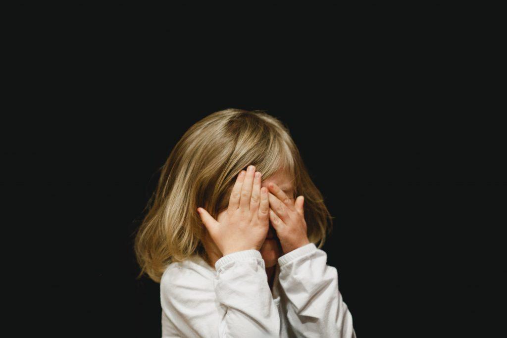 fille-enfant-harcèlement-alexa-marque-prénom-agence-de-naming-bénéfik