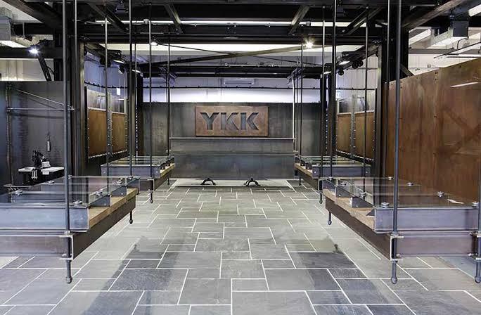 ykk-showroom-shoredith-london-que-signifie-sigle-naming-agence-bénéfik-trouver-un-nom-de-marque-paris